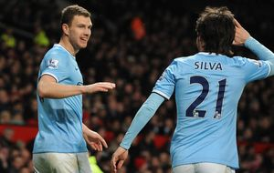 Silva hace jugar al City y lo deja agobiando al Chelsea por el liderato