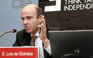 Luis de Guindos dirigirá el centro de PwC y el IE sobre los retos de las entidades financieras