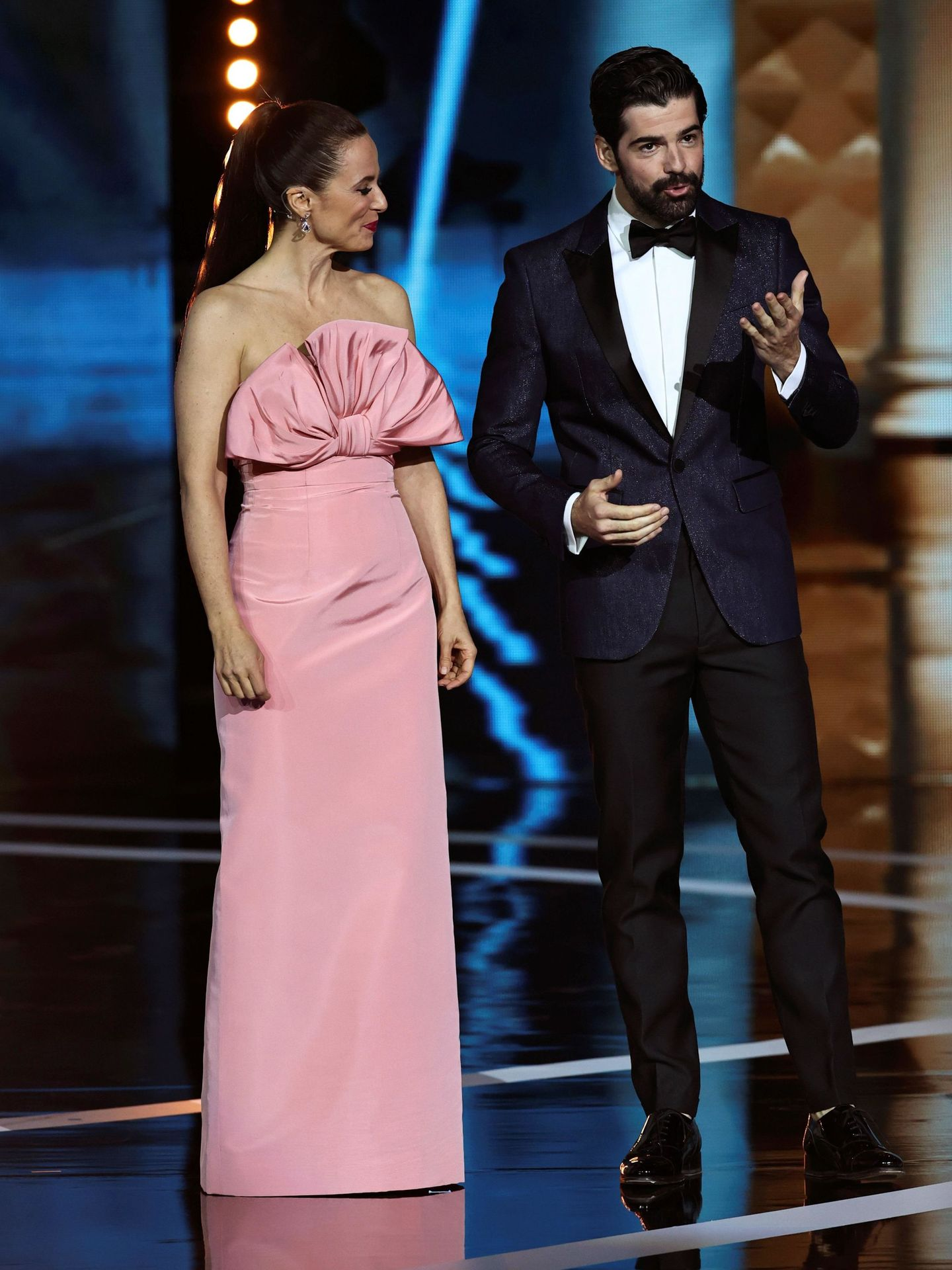 Miguel Ángel Muñoz y Aitana Sánchez-Gijón, durante la entrega de los Premios Forqué. (EFE)
