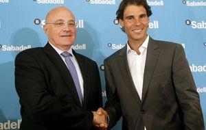Sabadell celebra sus resultados en bolsa y Caixabank los lamenta