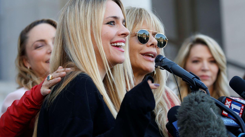 Jessica Barth y Rosanna Arquette, entre las actrices que encabezaron la lucha contra Harvey Weinstein. (Reuters)