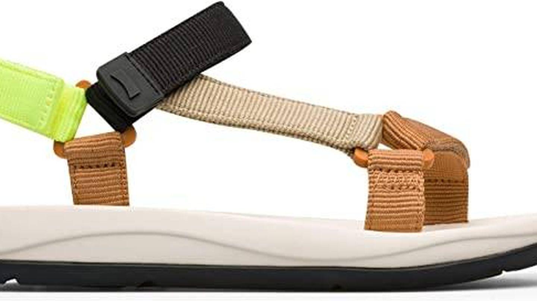 Las sandalias planas de Camper de venta en Amazon. (Cortesía)