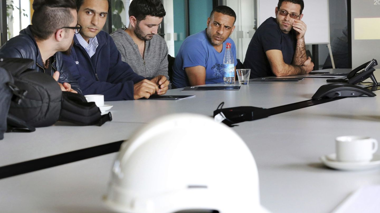 Las empresas pagan una cuota del 0,6% destinada a la formación. Los trabajadores aportan el 0,1%. (EFE)