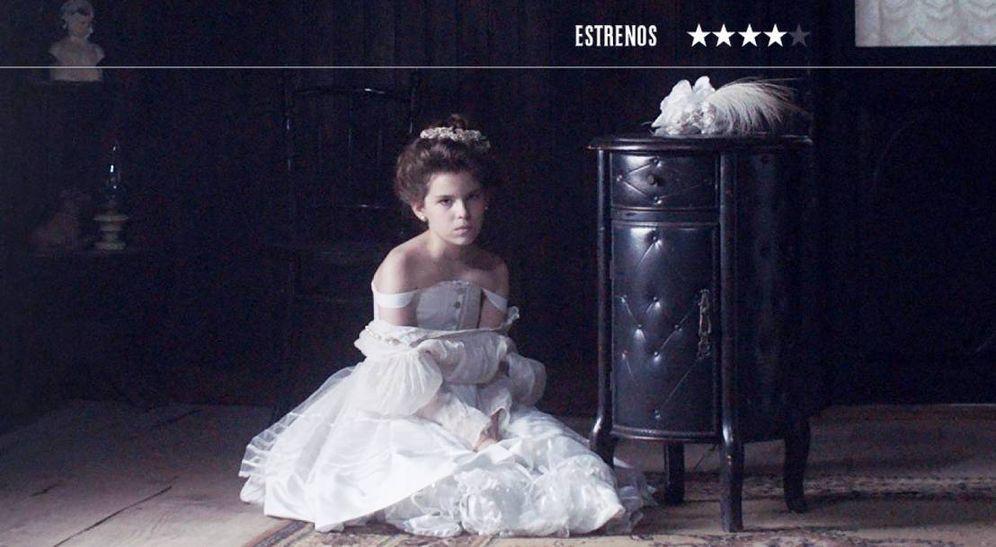 Foto: Esther Vega Pérez Torres es Sara, la obsesión del protagonista de 'Blanco en blanco'. (Elamedia)