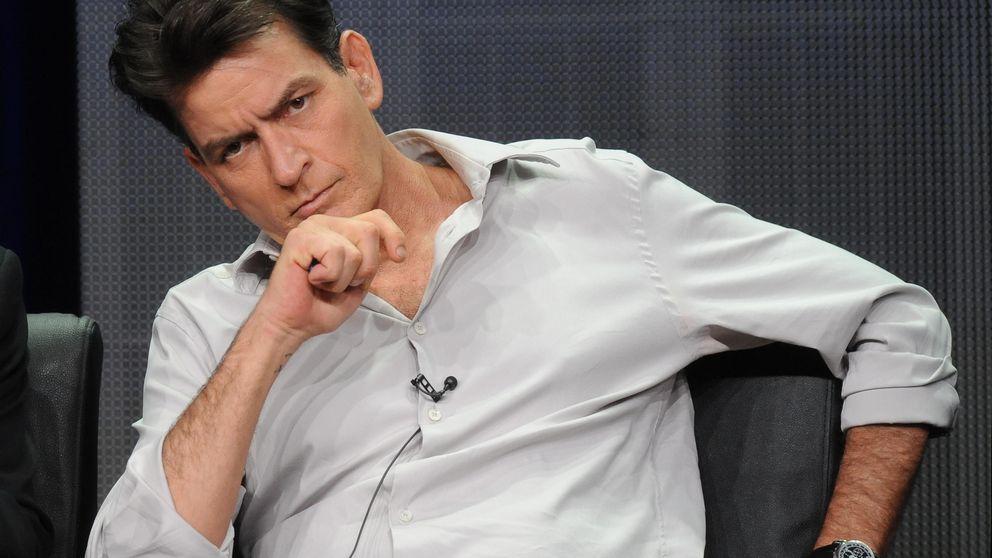 Un médico se inyecta sangre de Charlie Sheen para probar que puede curarlo