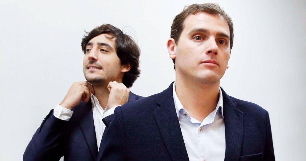 Foto: Toni Roldán y Albert Rivera. (EFE)