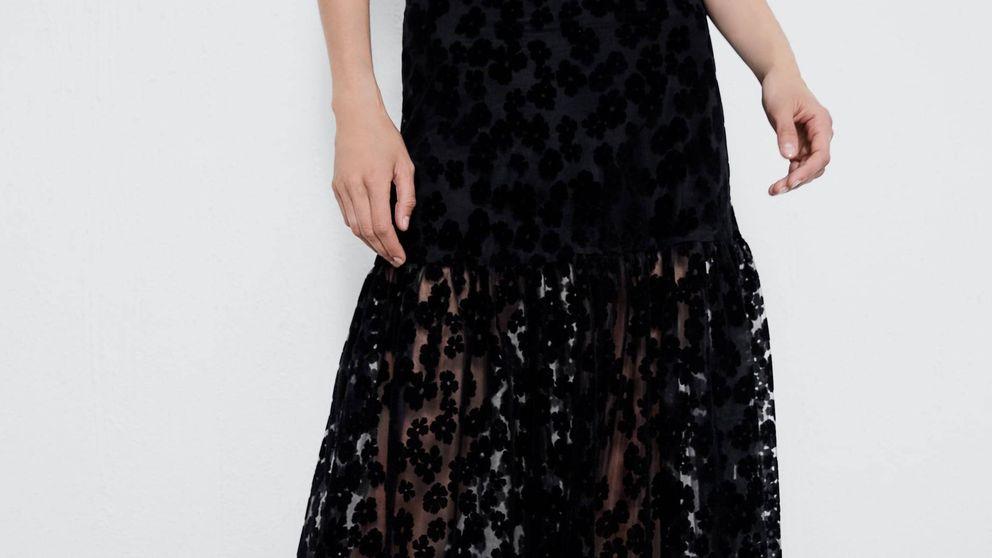 Esta falda bordada de Zara hará que todos te pregunten por ella porque es preciosa