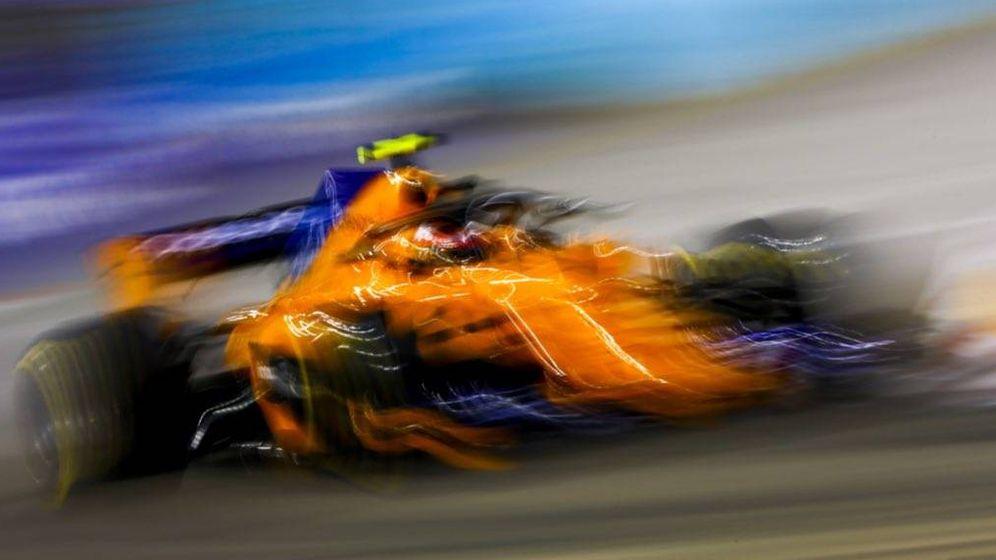 Foto: Fernando Alonso, en su ultima actuación en Marina Bay, uno de sus trazados favoritos. (Foto: McLaren)