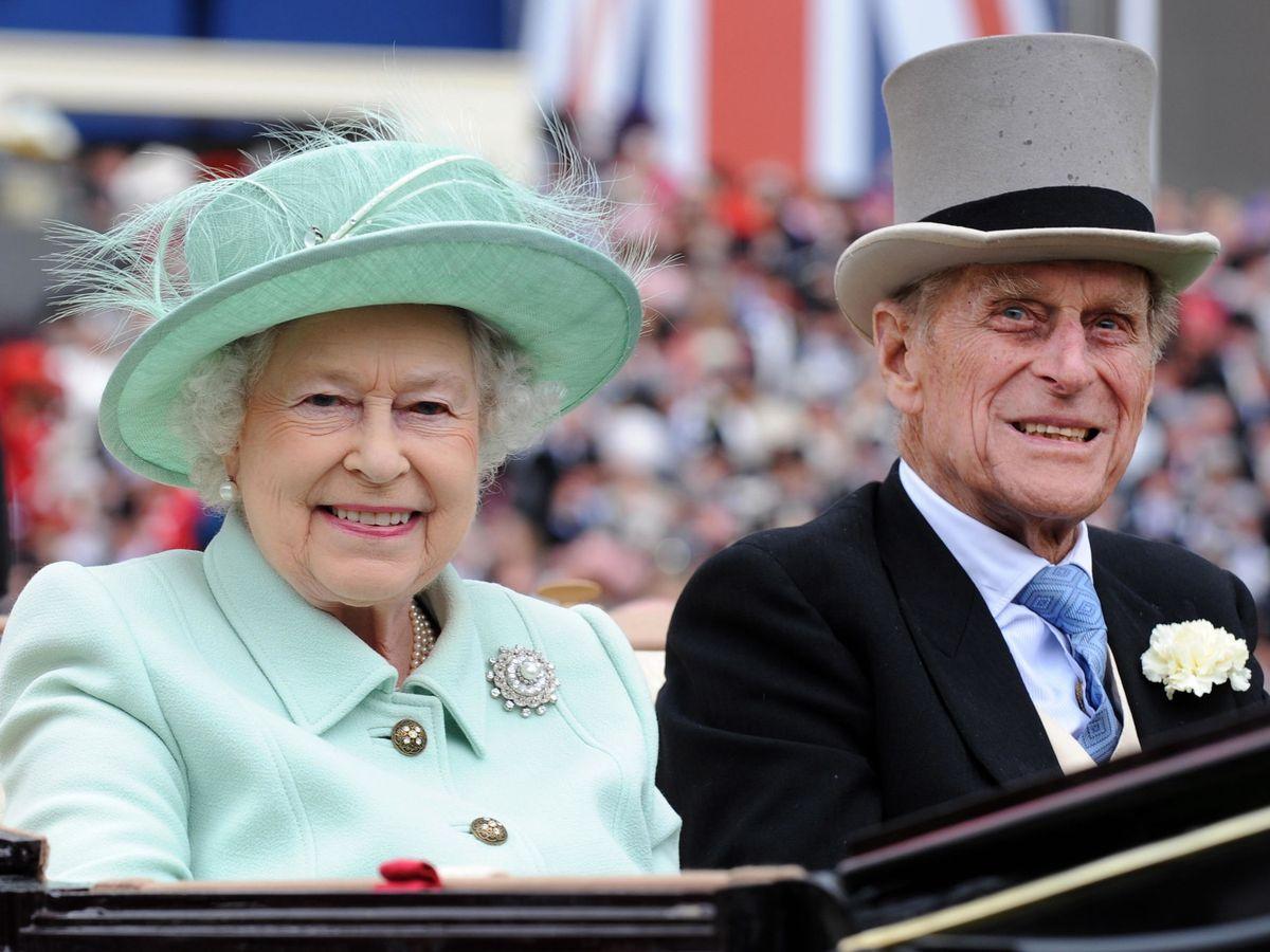 Foto: La reina Isabel y el duque de Edimburgo. (Reuters)