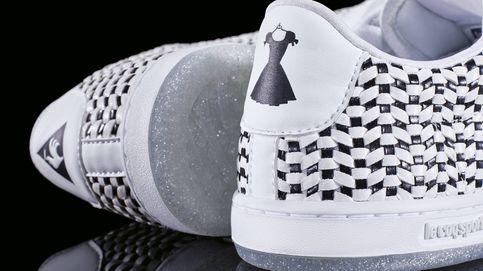 Unas zapatillas que tienen espíritu de vestido de noche y alma de perfume de lujo