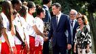 El PSOE 'aparca' sus promesas más ideológicas y ratifica su viaje al centro