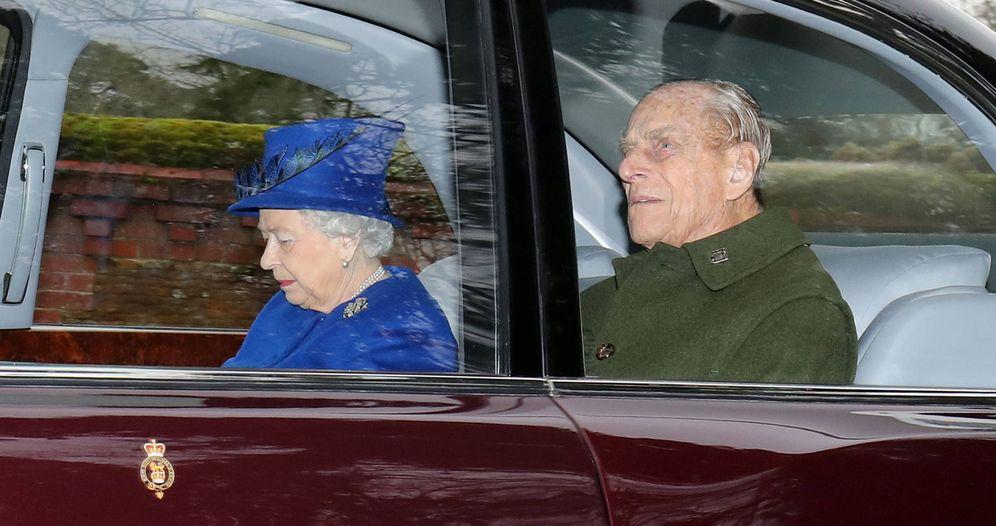 Foto: El duque de Edimburgo e Isabel II en una imagen de archivo. (Gtres)