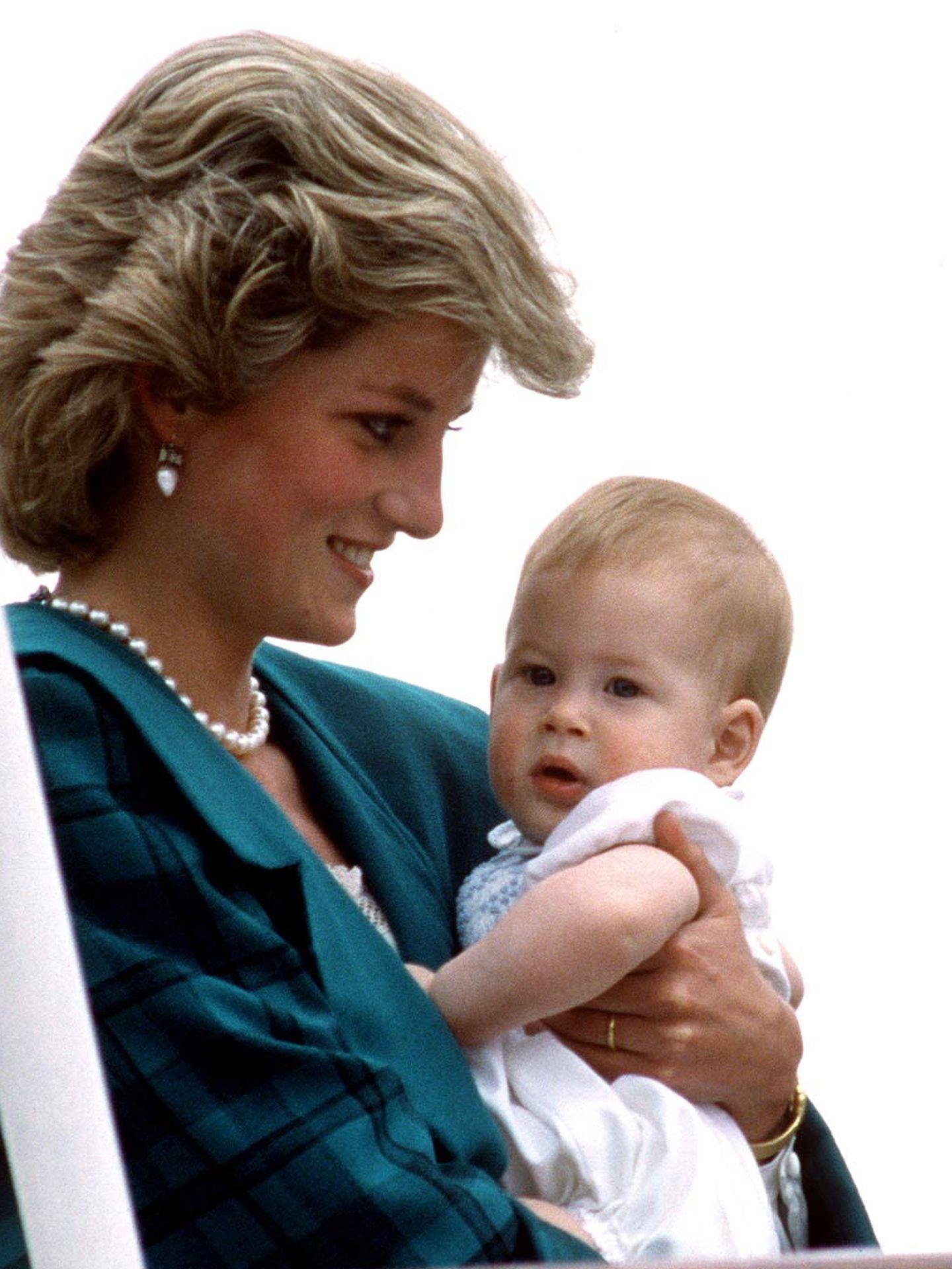La princesa Diana con Harry.