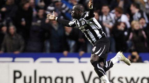 El día en imágenes: el fútbol se despide de Tioté