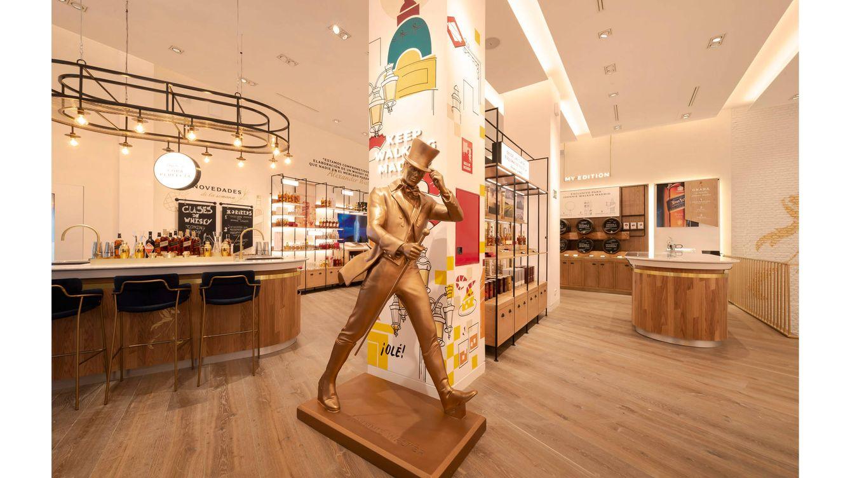 Foto: El whisky escocés Nº 1 del mundo, abre en la madrileña calle de Serrano su primera tienda flagship experiencial en Europa.
