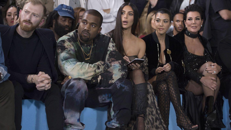 Kanye West, Kim Kardashian, Kourtney y Kris Jenner, en una imagen de archivo. (EFE)