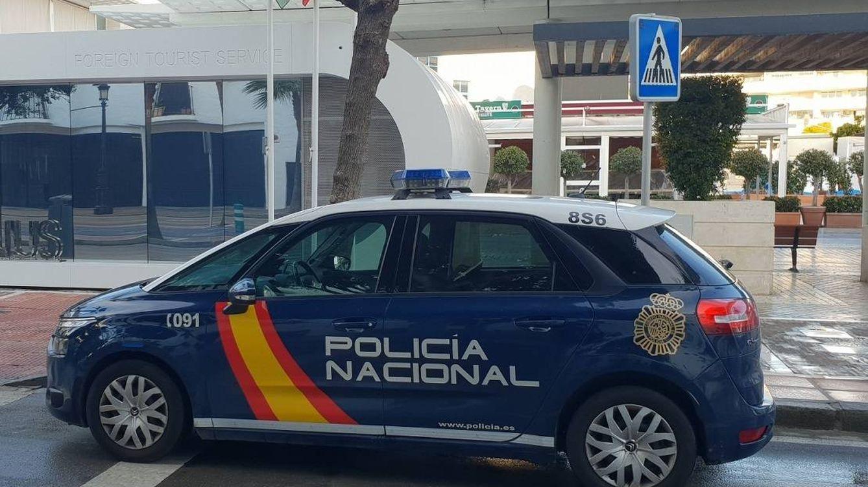 Detenido un bombero de Marbella por fingir ser policía para colarse en un Úber