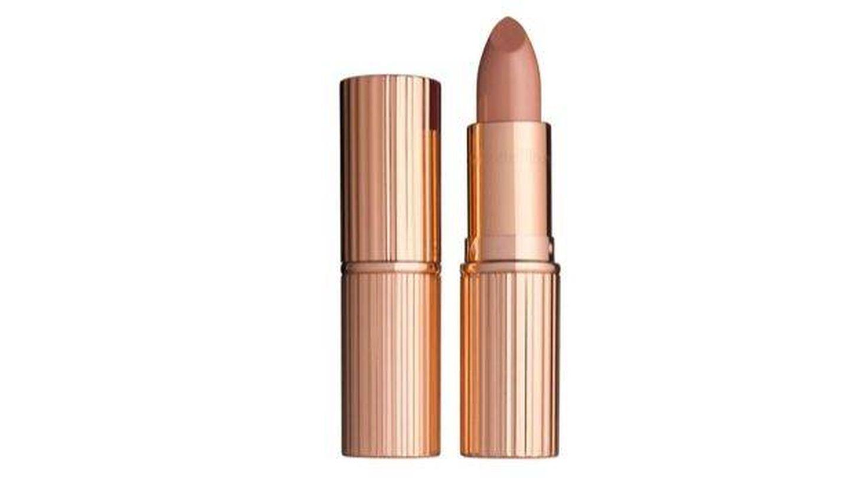 Kissing Lipstick Nude Kate, de Charlotte Tilbury.