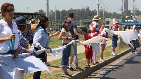 Dos kilómetros de sábanas atadas: el récord que han batido en Paraguay por una protesta política
