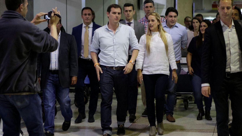 Venezuela invita a Podemos a que explique su financiación con Albert Rivera como testigo