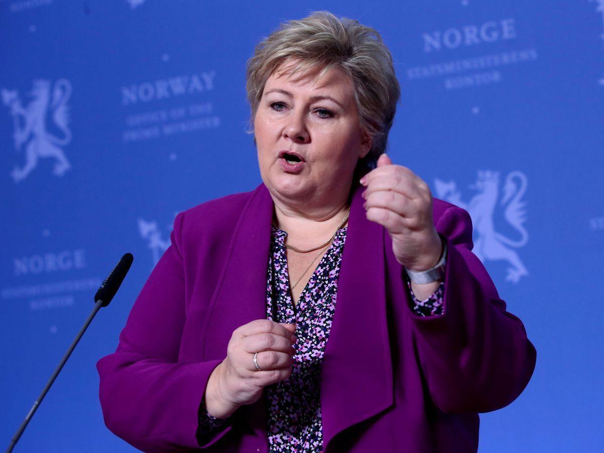 Foto: La primera ministra noruega, Erna Solberg, hoy en rueda de prensa (REUTERS)
