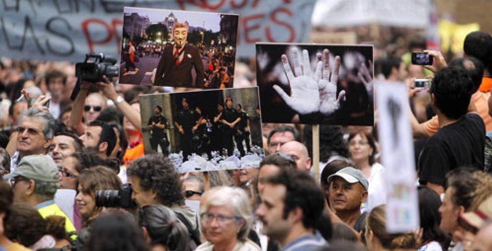 Multitudinaria marcha pacífica en Barcelona