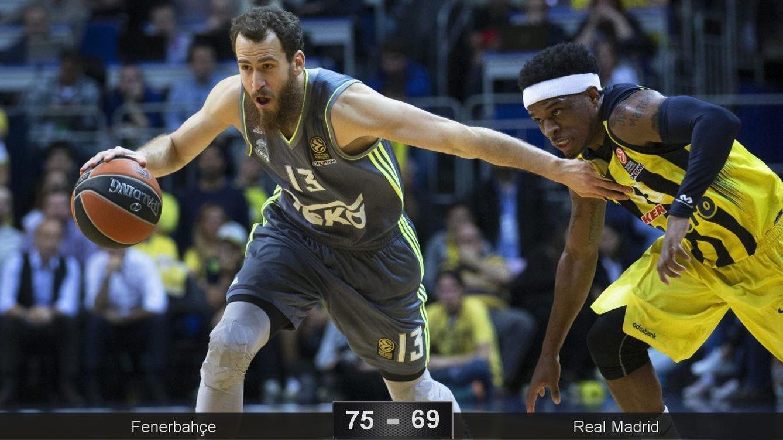 Foto: El Madrid pagó su falta de acierto en el último cuarto (Tolga Bozoglu/EFE)