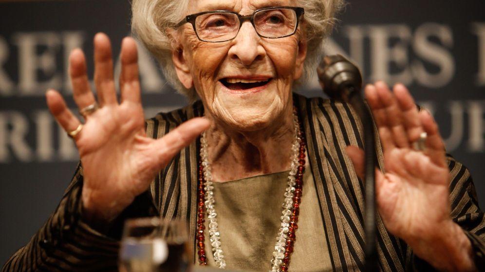 Foto: La poeta uruguaya Ida Vitale, en un homenaje a Gabriela Mistral en Montevideo a principios de abril. (EFE)