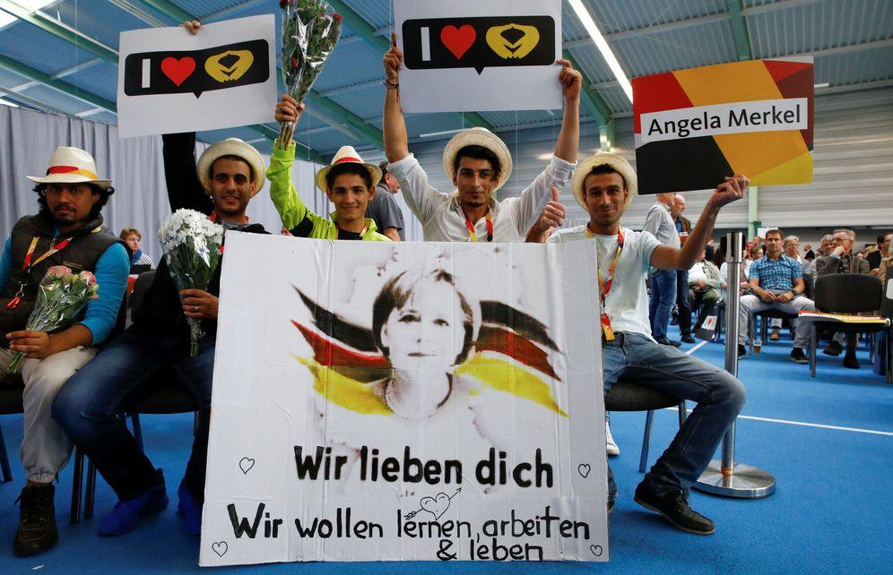 Foto: Simpatizantes de la canciller Angela Merkel durante un mitin de campaña en Schwerin, Alemania. (Reuters)