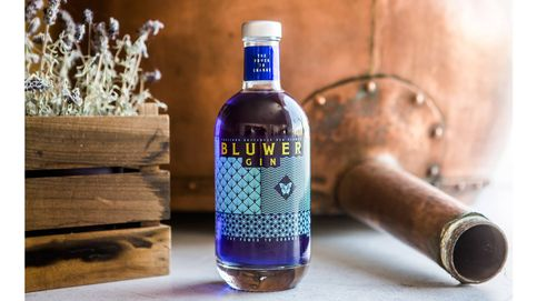 Bluwer: la ginebra que cambia de color
