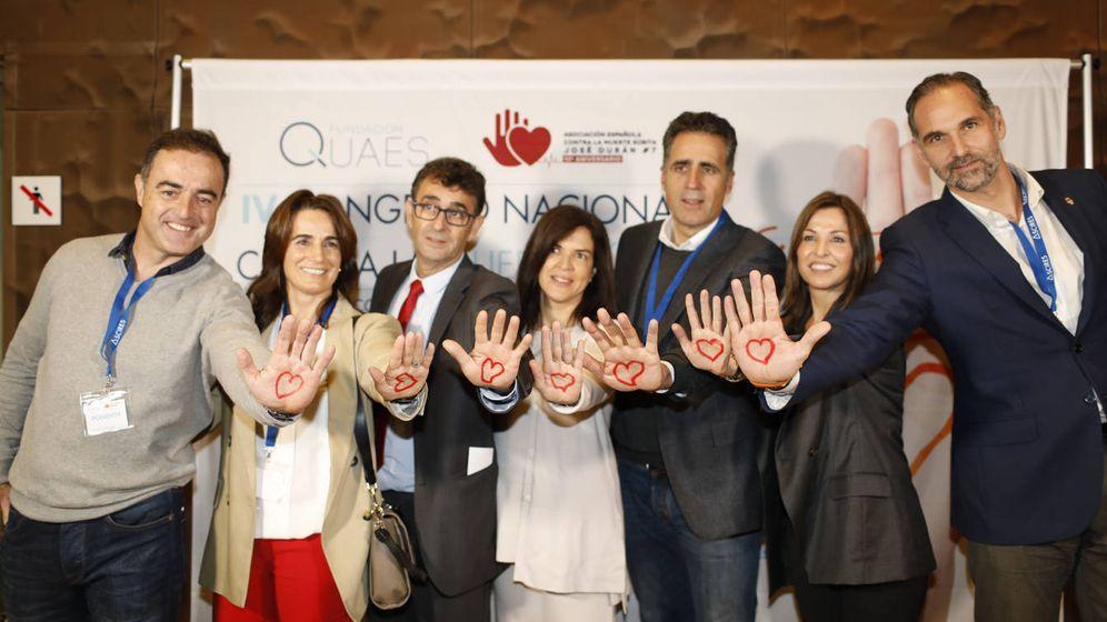 Foto: Deportistas de élite y personalidades asistentes al IV Congreso Nacional contra la Muerte Súbita (Foto cedida por Ascires).