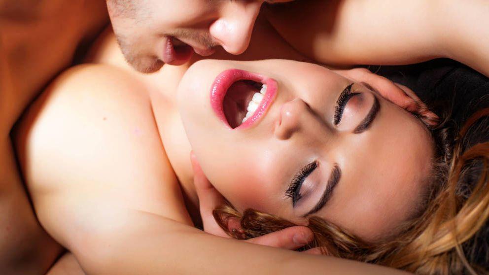 Las posiciones que más confianza dan en la cama a las mujeres