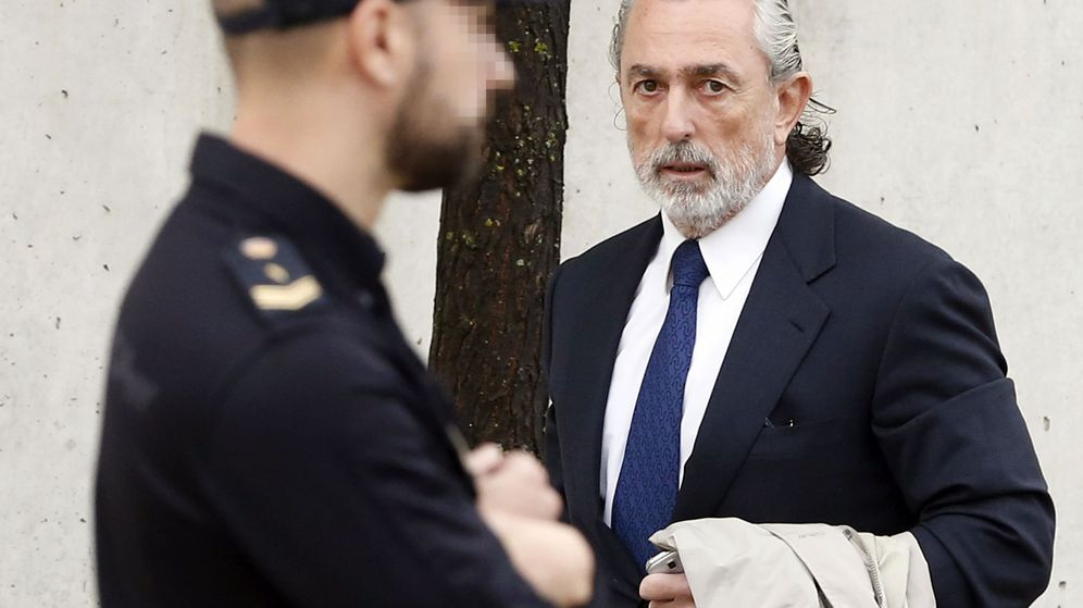 Foto: Francisco Correa, en 2016, a su llegada a la Audiencia Nacional para declarar por la trama Gürtgel. (EFE)