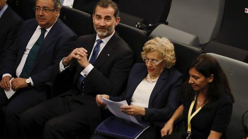 El Rey, Carmena e Hidalgo abordan la irrupción del terrorismo en las ciudades