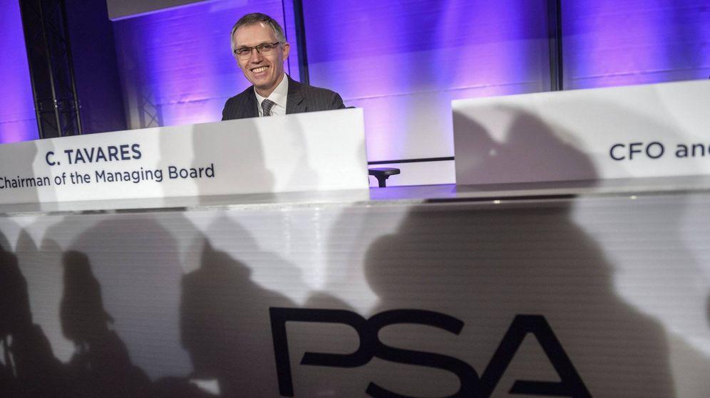 Foto: Carlos Tavares, presidente del grupo PSA, en el anuncio de compra de Opel en marzo de 2017.EFE/Christophe Petit Tesson