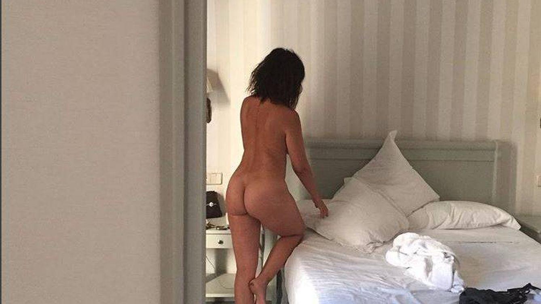 El desnudo de Melani Olivares, orgullosa de sus curvas tres meses después de dar a luz