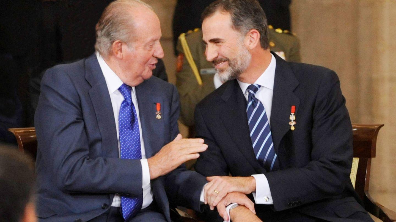 El rey Juan Carlos y el rey Felipe, en un acto conjunto. (Getty)
