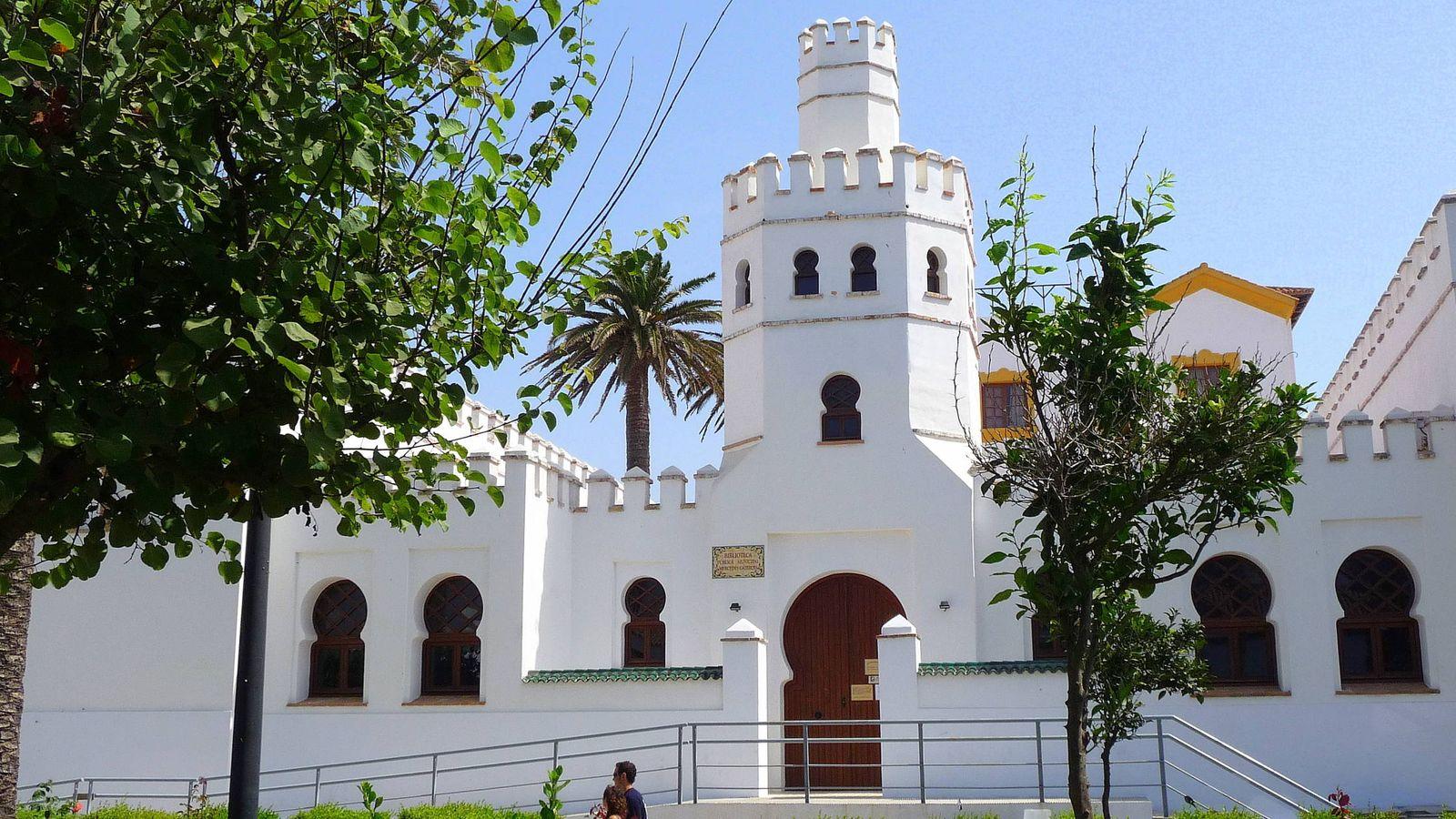 Foto: Tarifa es blanca, surfera y está entre dos mares. (Foto: Cádiz Turismo)