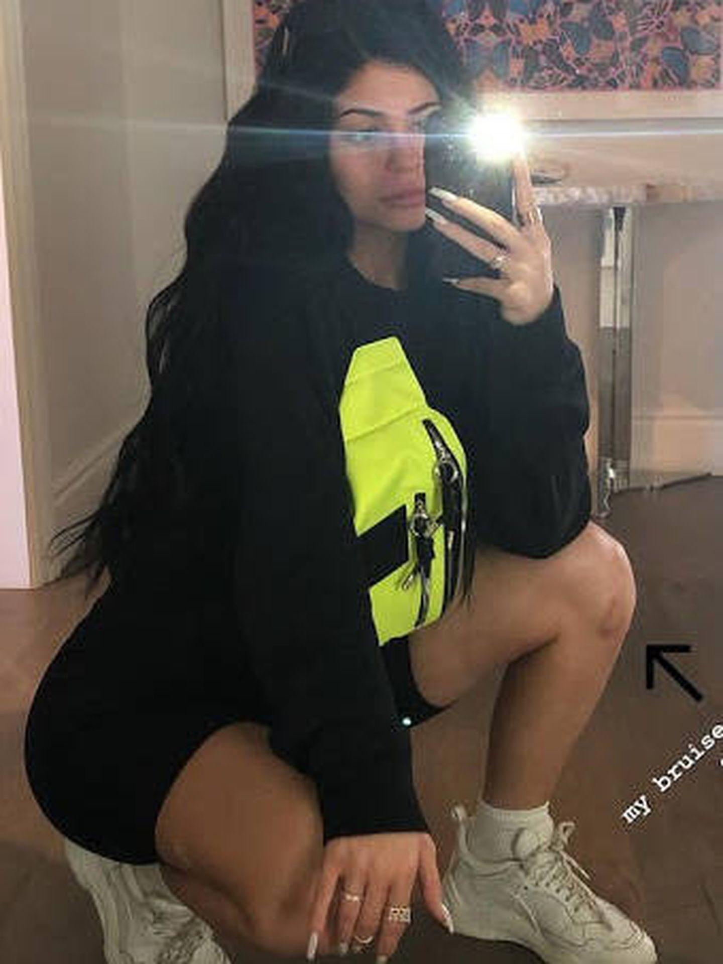 Kylie Jenner, con riñonera de Lagerfeld. (Instagram)