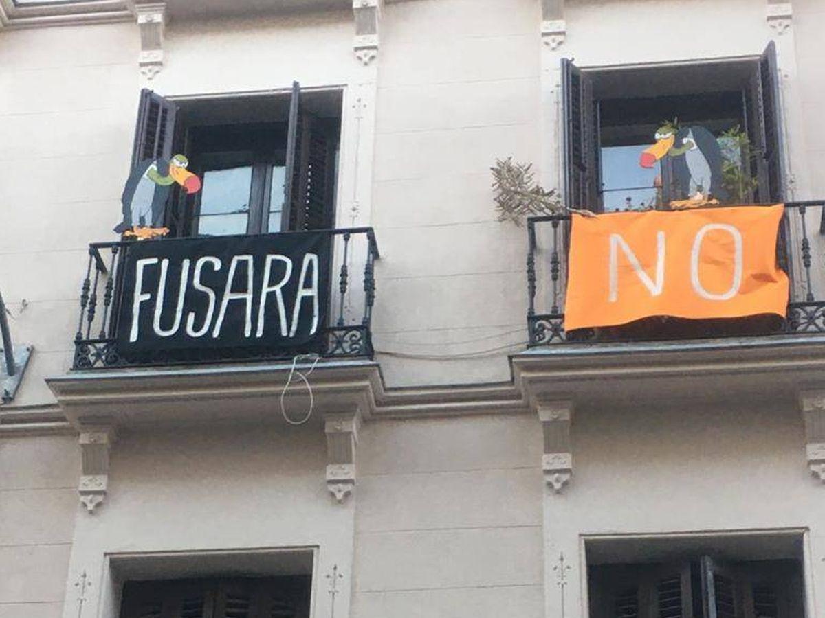 Foto: Protestas de un inquilino de Fundación Fusara en la calle Santa Teresa.