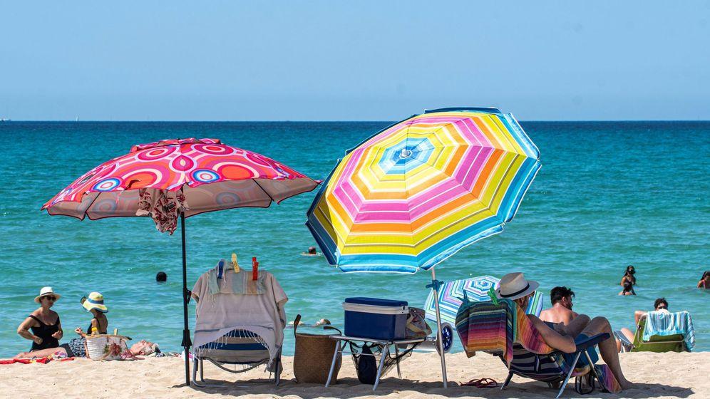 Foto: Vista de la playa del Arenal, en Palma de Mallorca. (EFE)