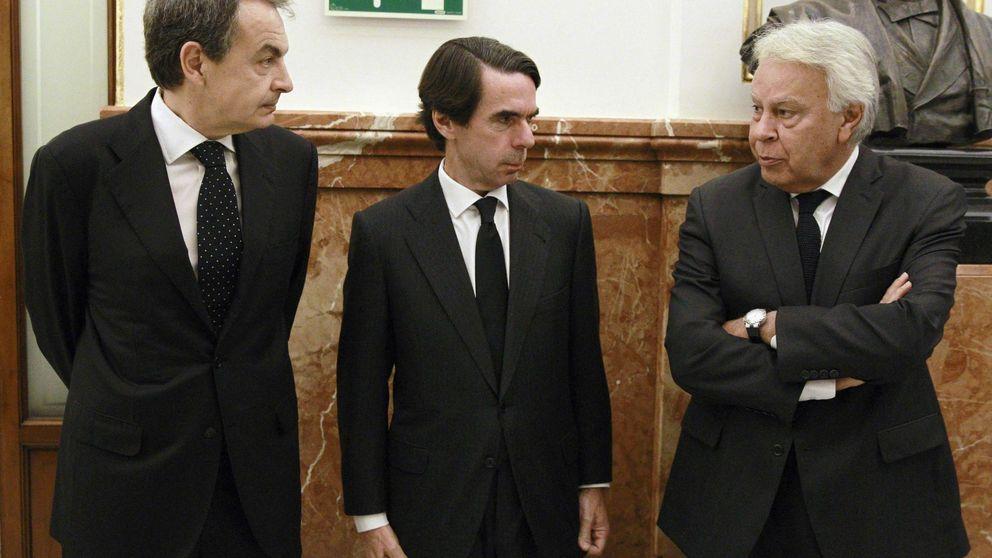 Zapatero, Aznar y González ya han votado por correo
