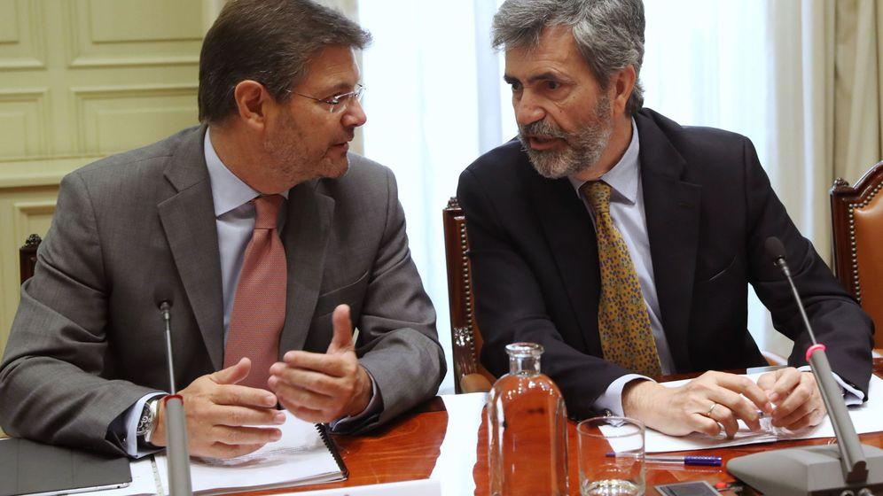 Foto: El presidente del Tribunal Supremo y del CGPJ, Carlos Lesmes, y el ministro de Justicia, Rafael Catalá. (EFE)