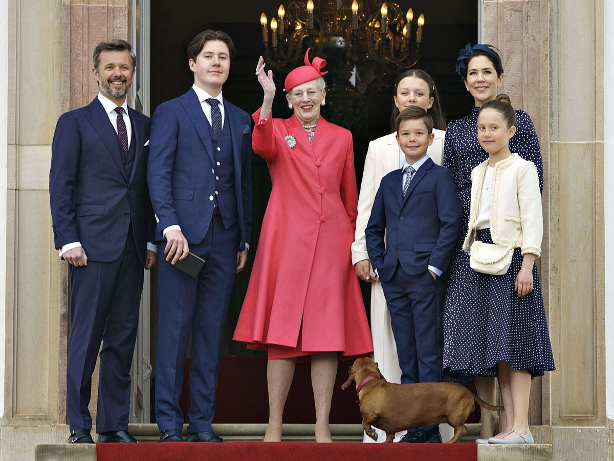 Foto: El príncipe Christian de Dinamarca junto a su familia en el día de su confirmación. (EFE)