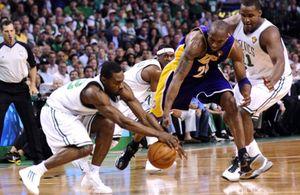 Los reservas de los Celtics salvan el cuarto partido ante los Lakers