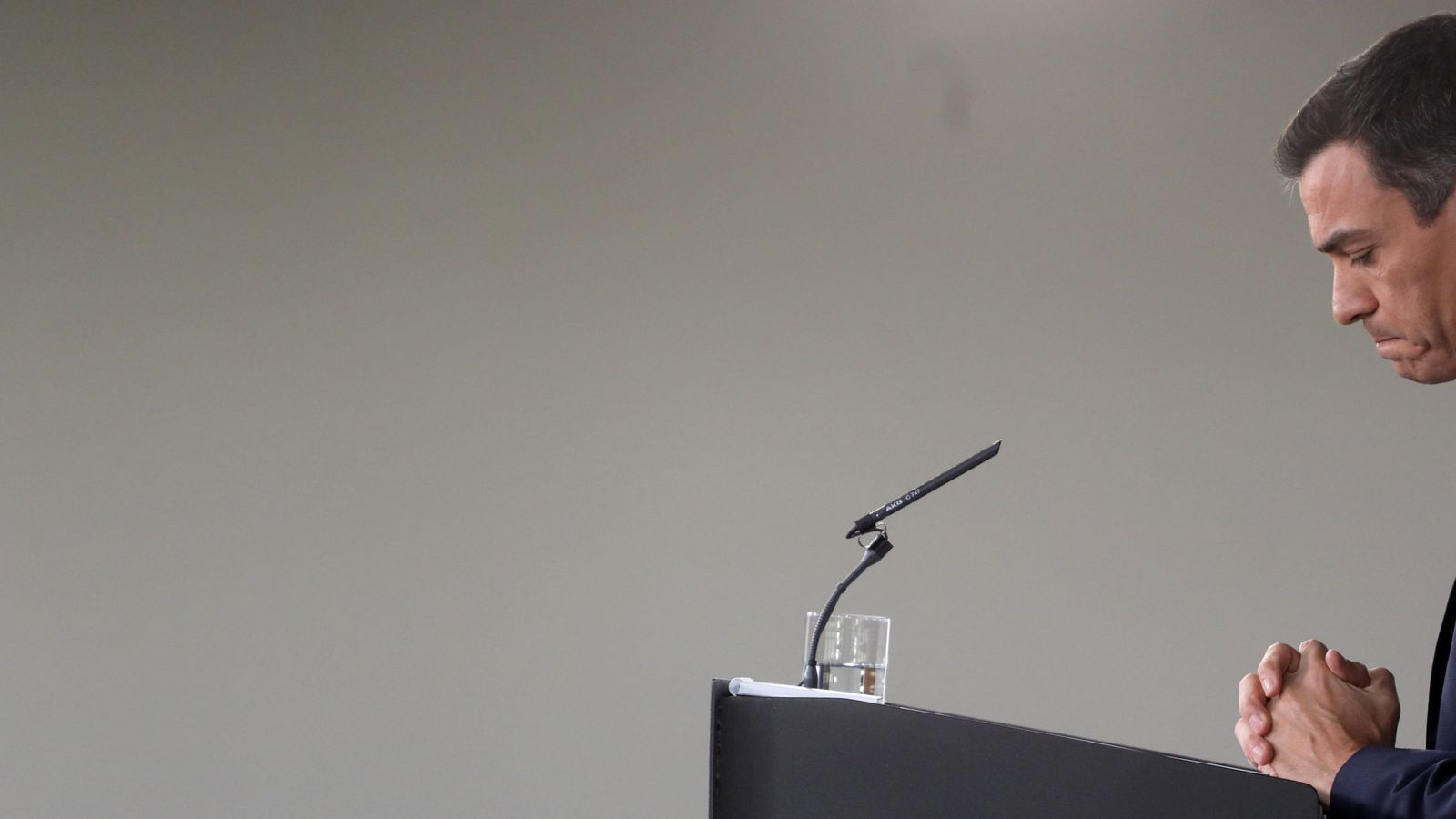 Foto: Pedro Sánchez, durante su rueda de prensa de balance de estos siete meses de mandato, este 28 de diciembre. (Reuters)