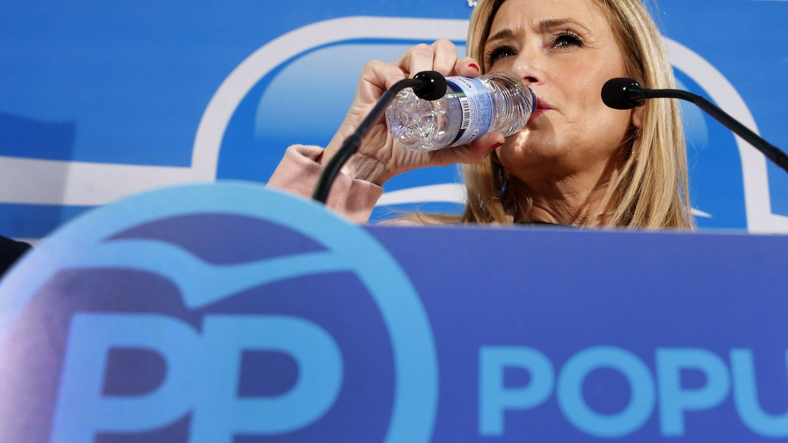 Foto: Cifuentes pide que el Mobile World Congress sea en Madrid y la arma en Twitter