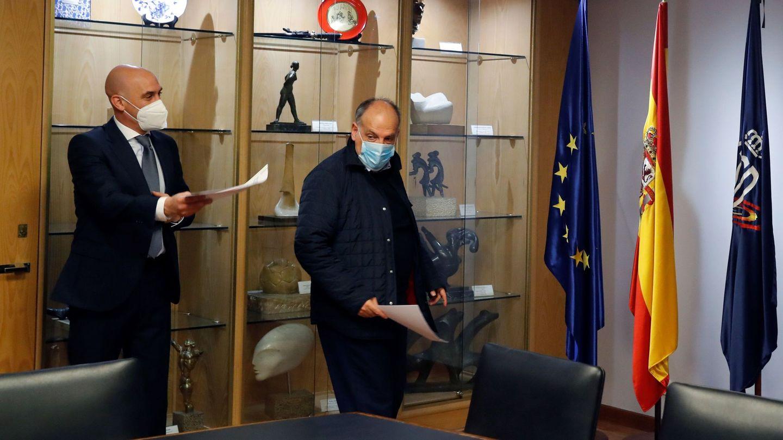 Luis Rubiales y Javier Tebas, en la sede del Consejo Superior de Deporte. (EFE)