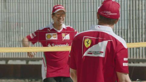 Vettel y Raikkonen jugando al voley playa, ¿quién gana?