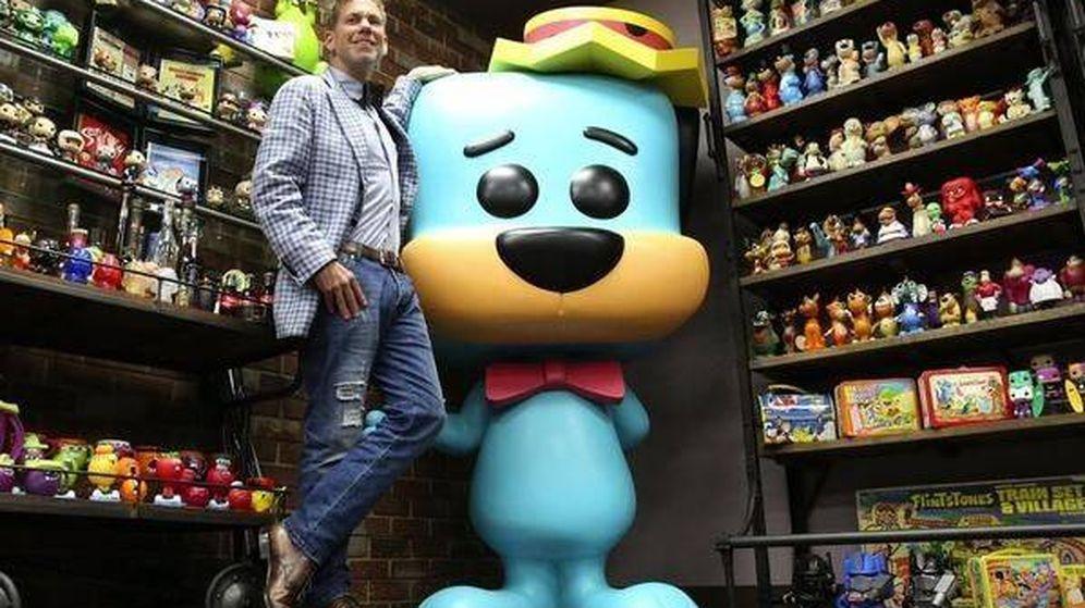 Foto: Brian Mariotti, CEO de la marca Funko, con sus Funko Pops! (Funko Inc.)